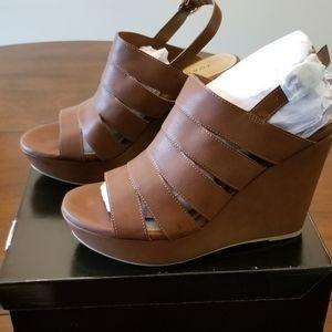Cognac Caged wedge sandal size 10